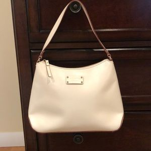 Like new! Kate Spade cream/white shoulder bag